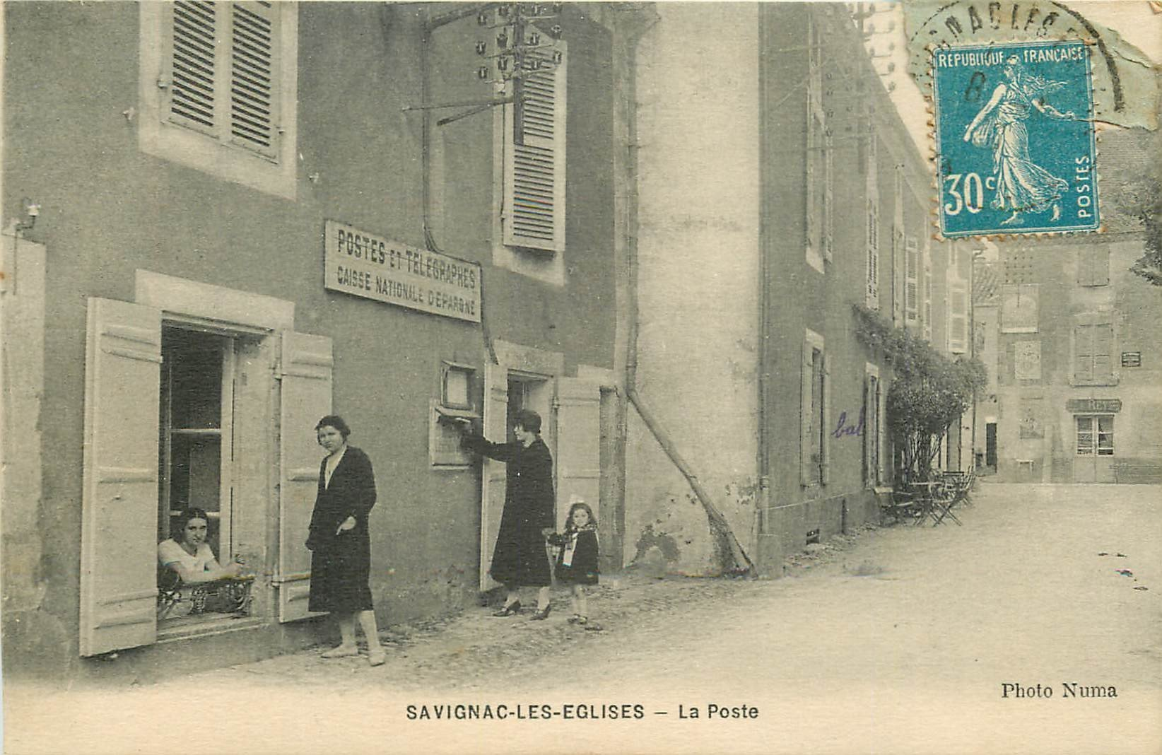 WW 24 SAVIGNAC-LES-EGLISES. Receveuse à la Poste puis Café et Commerce Rey 1926
