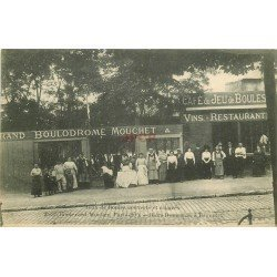 PARIS 20° Café Jeux de Boules couverts et éclairés. Pétanque Boulodrome 35 Boulevard Mortier. Bières Dumesnil à Bagnolet