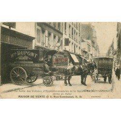 WW PARIS 01. La Sortie des Voitures d'Approvisionnements de la Maison Dupont-Barbier attelages pour les Halles