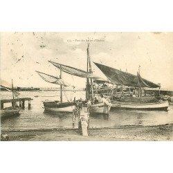 WW 83 HYERES. Barques de Pêcheurs dans le Port des Salins 1905
