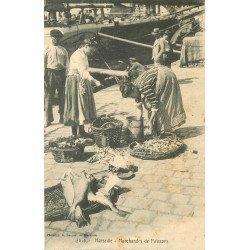WW 13 MARSEILLE. Marchandes de Poissons en direct sur le Port