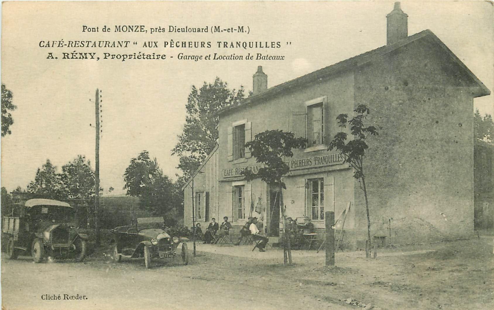 """WW 54 PONT DE MONZE. Café Restaurant """" Aux Pêcheurs tranquilles """" voiture et camion anciens"""