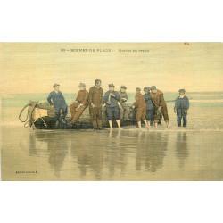 WW METIERS DE LA MER. Pêcheurs Marins au repos sur leur barque. Carte toilée
