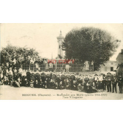 WW 16 BRIGUEIL. Noce Villageoise autour du Monument aux Morts 1923
