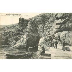 WW 29 LA POINTE DU RAZ. Port de Bestrée refuge des Barques des Pêcheurs d'Homard 1908
