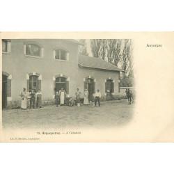 WW 63 AIGUEPERSE. Nombreux Bouchers à l'Abattoir