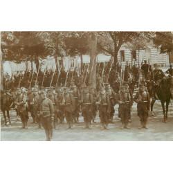 WW 85 LES SABLES D'OLONNE. Un Régiment d'Infanterie et ses Cavaliers Officiers 1906