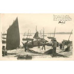 WW 29 Nos Marins Bretons Equipage faisant la toilette de la Grand voile vers 1900