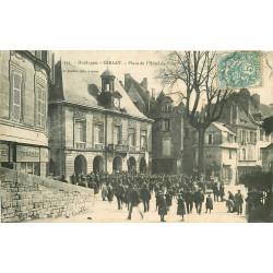 WW 24 SARLAT. Foule Place de l'Hôtel de Ville vers 1906