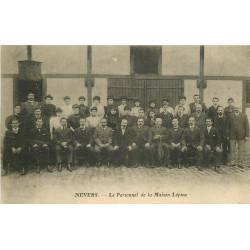 WW 58 NEVERS. Le Personnel de la Maison Lépine rue du Fer