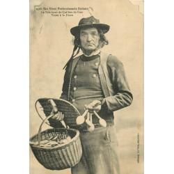 WW LA BRETAGNE. Le Fabricant de Cuillers de Bois pour vente à la Foire