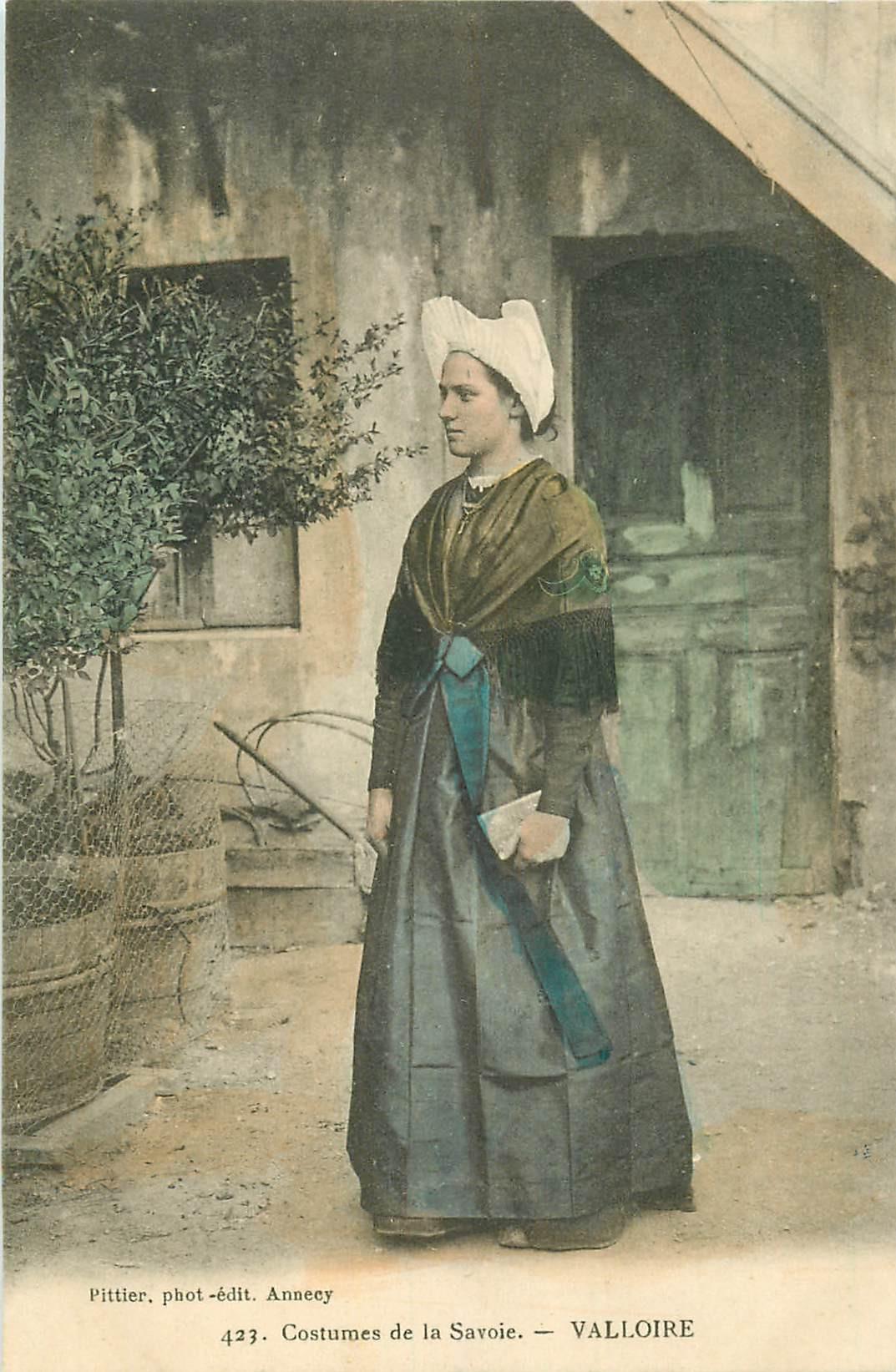 WW RHÔNE ALPES. Costumes de Savoie. Valloire