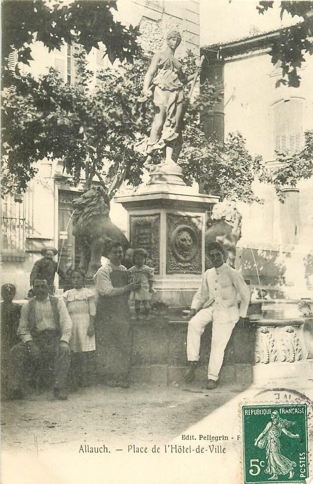 WW 13 ALLAUCH. Animation à la Fontaine Place de l'Hôtel de Ville 1908