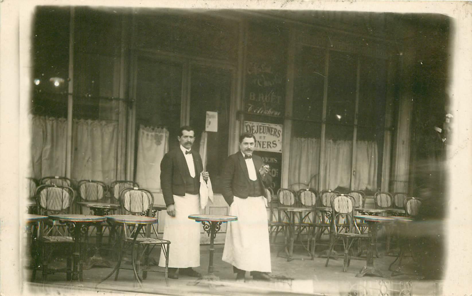 PARIS III. Café Brasserie Grand Hôtel de l'Avenir Ruet au 5 Boulevard du Temple. Photo carte postale