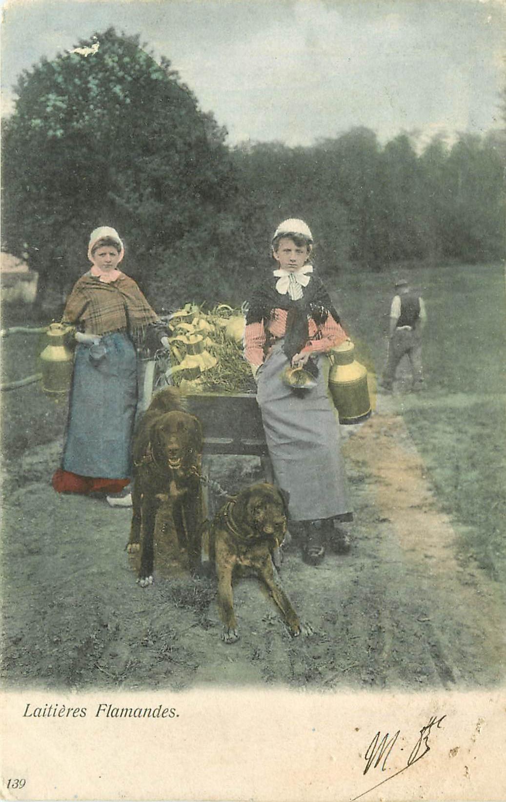 WW BELGIQUE. Laitières Flamandes avec attelage de Chiens 1905