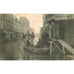 WW PARIS. Inondations Crue Seine 1910. Sauveteurs et Policiers rues Lourmel et Fondary