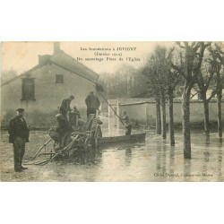 WW 51 JUVIGNY. Inondations Crue 1910. Un Sauvetage Place de l'Eglise