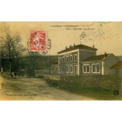 WW 07 MEYSSE. Attelage devant les Ecoles 1910