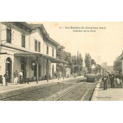 WW 38 LES ROCHES-DE-CONDRIEU. Train entrant dans la Gare