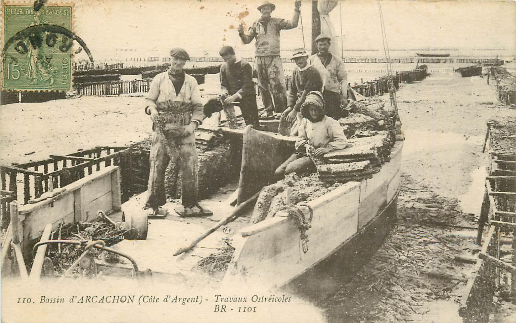 33 ARCACHON. Travaux Ostréicoles sur bateau d'Huîtres