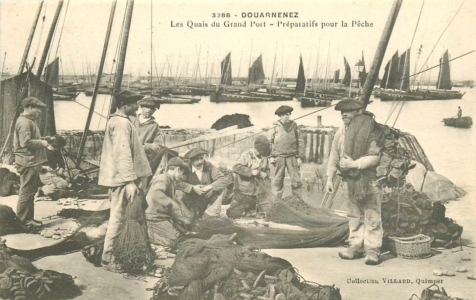 29 DOUARNENEZ. Préparatifs pour la Pêche sur les Quais du Grand Port 1906