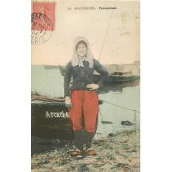 33 ARCACHON. Parqueuse d'Huîtres 1904 avec barque