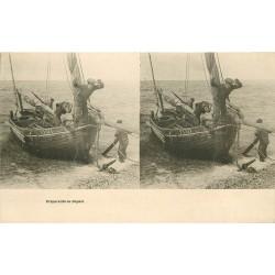 Carte stéréoscopique. Pêcheurs et Métiers de la Mer. Préparatifs de Départ pour la Pêche