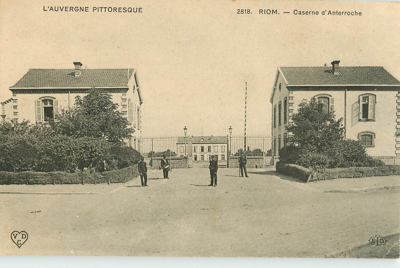 WW 63 RIOM. Militaires à la Caserne d'Anterroche 1907