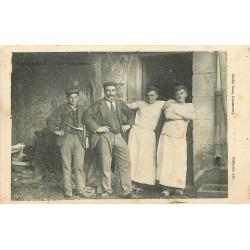 WW 03 MALICORNE. Les Inséparables Vendeur du journal Le Parisien avec sa corne 1907