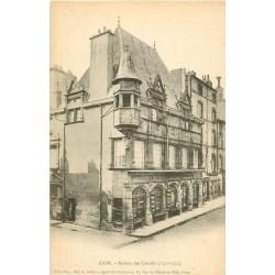 WW 63 RIOM. Maison des Consuls