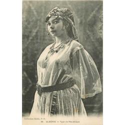 WW ALGERIE. Superbe femme Mauresque à la poitrine et seins nus...