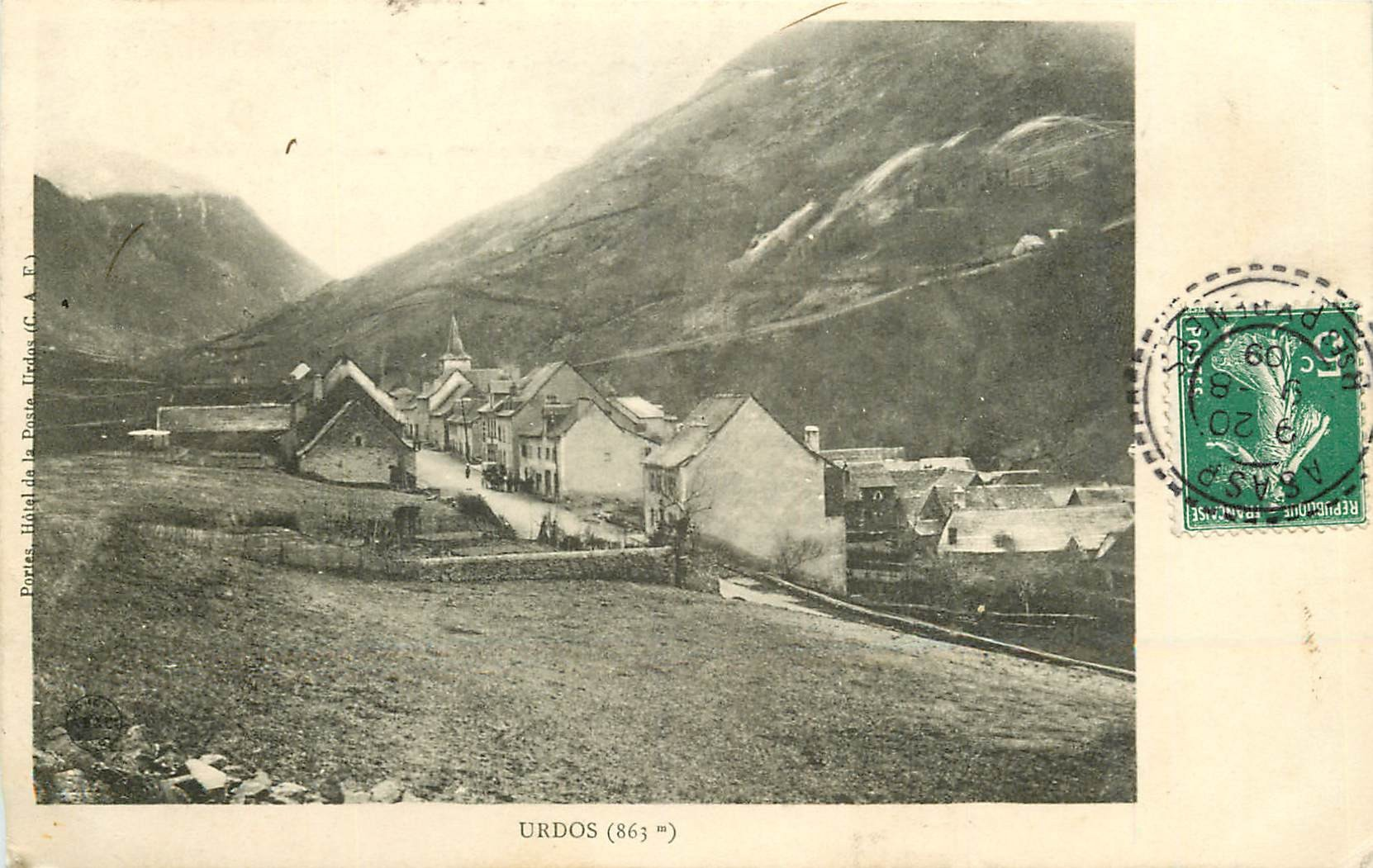 WW 64 URDOS. L'Entrée du Village 1909