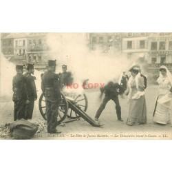 60 BEAUVAIS. Demoiselles tirant le Canon Fêtes Jeanne Hachette 1906