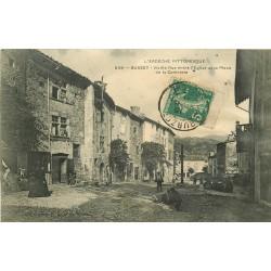 WW 07 BURZET. Vieille rue entre Eglise et Place Confrèrie 1911