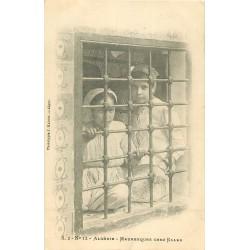 WW ALGERIE. Jeunes filles Mauresques chez elles