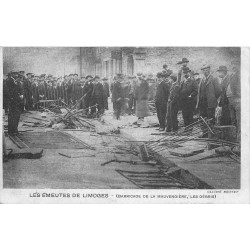 WW 87 LES EMEUTES DE LIMOGES. Barricade de la Mauvendière 1905
