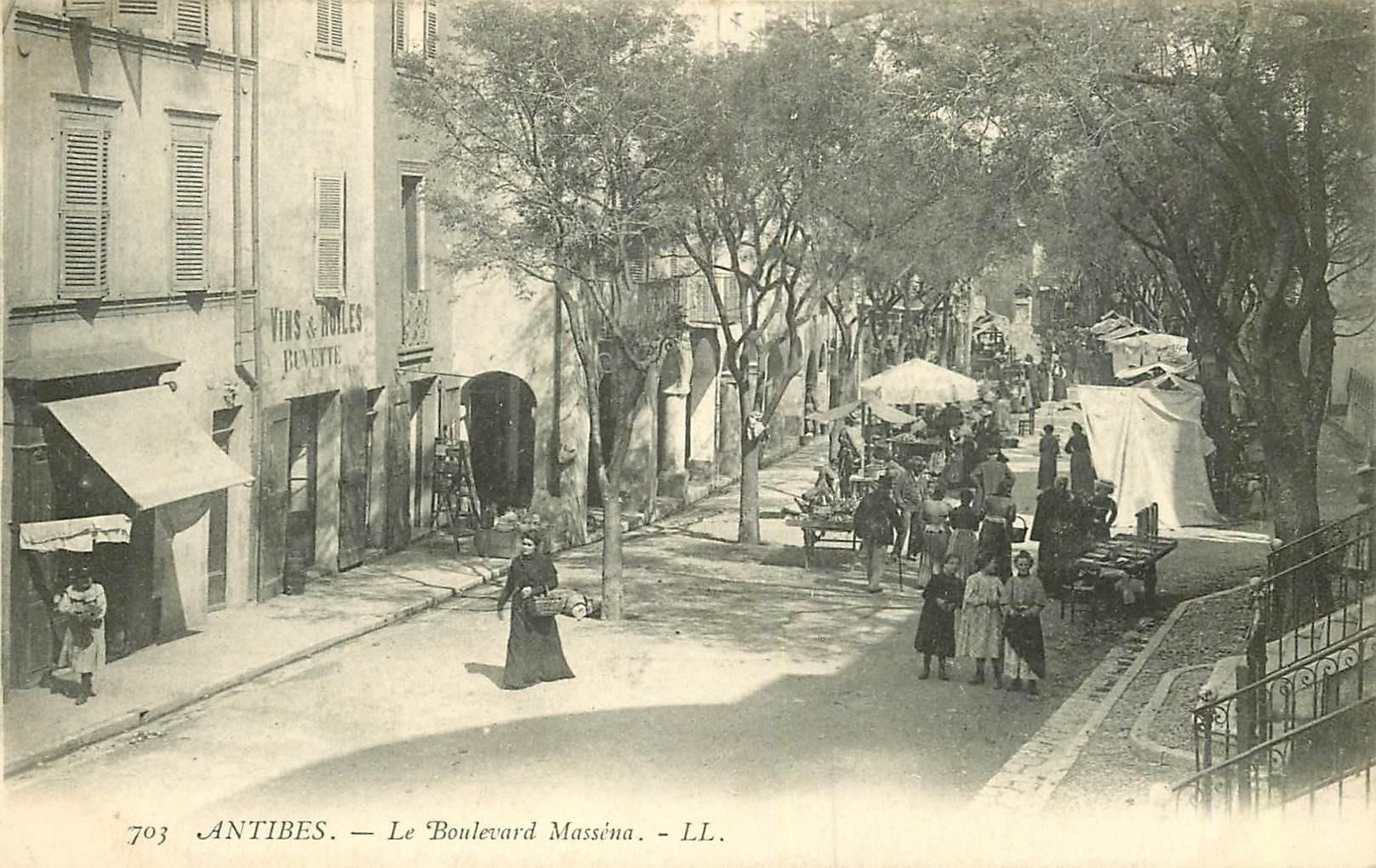 WW 06 ANTIBES. Le Marché Boulevard Masséna
