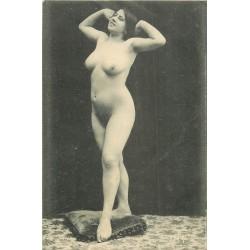 WW NUS D'AUTREFOIS. Femme dénudée