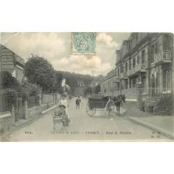 WW 76 YPORT. Femme poussant un ancien landau rue Alfred Nunès 1906
