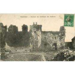 WW 56 PRIZIAC. Personnage à l'Entrée des Ruines du Château du Dréors 1915