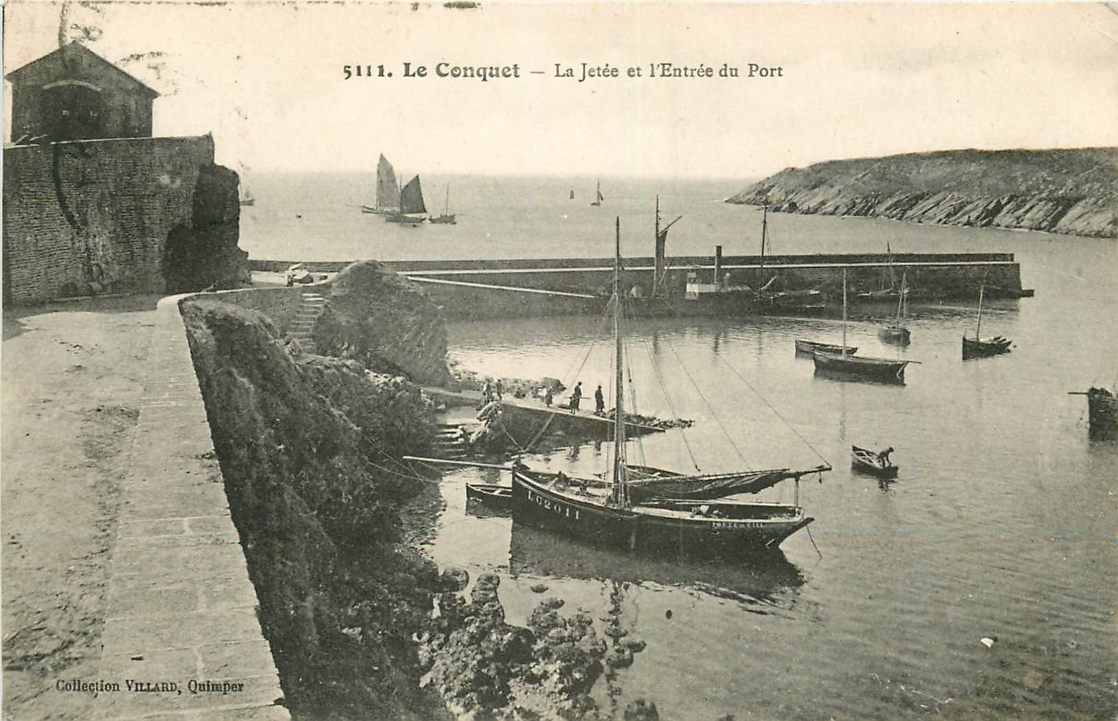WW 29 LE CONQUET. La Jetée et Barques de Pêcheurs à l'Entrée du Port 1922