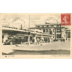 WW 03 VICHY. La Poste et la Gare des Autobus 1938