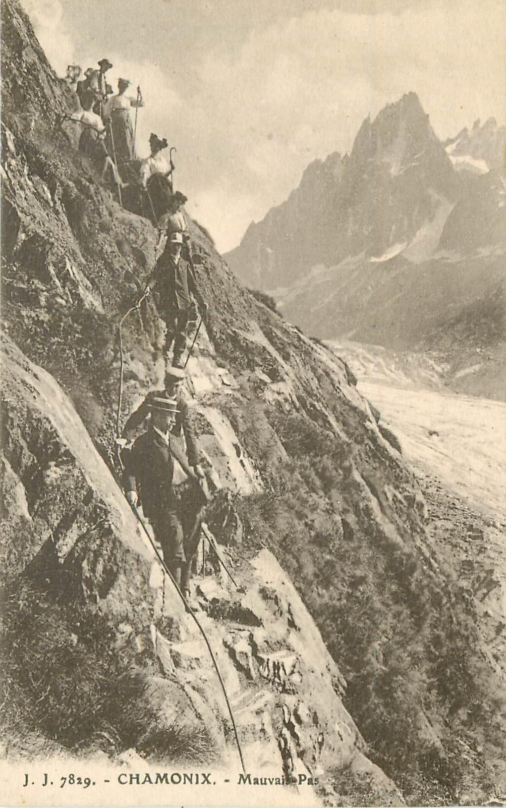 WW 74 DOLE. Excursionnistes dans le Mauvais Pas