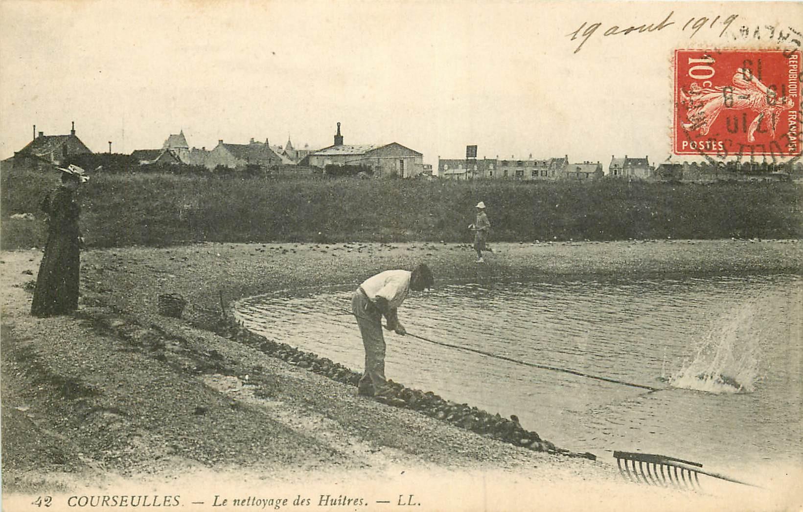 14 COURSEULLES. Le nettoyage des Huîtres 1919