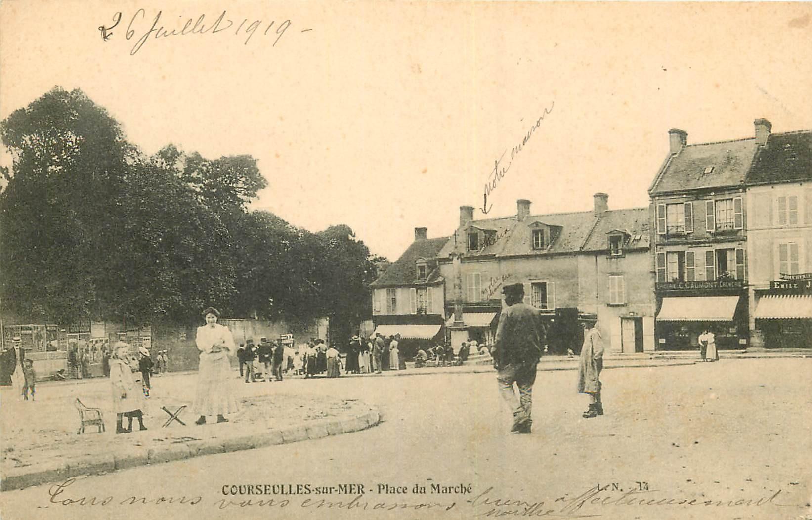 14 COURSEULLES-SUR-MER. Place du Marché 1919