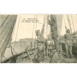14 TROUVILLE. La manoeuvre à bord d'un Bateau de pêche 1913
