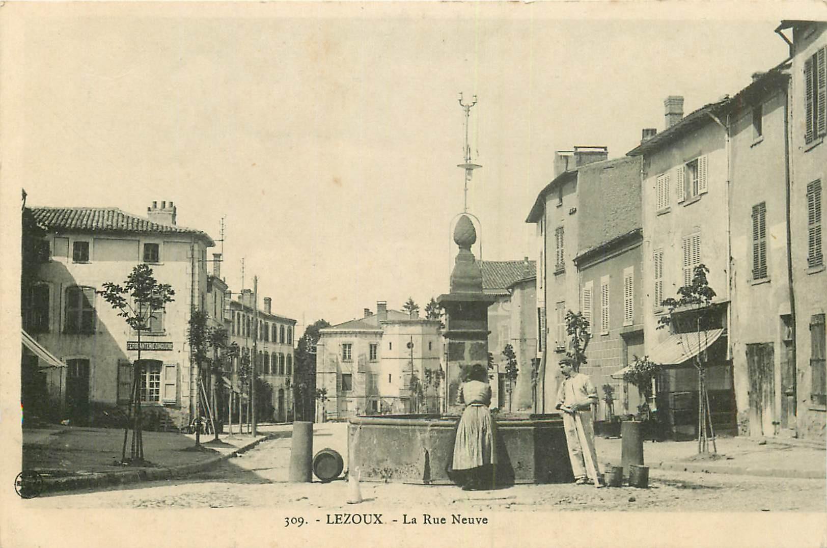 WW 63 LEZOUX. Femme à la Fontaire rue Neuve 1917