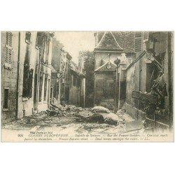 carte postale ancienne 02 SOISSONS. 1914-18 Rue des Francs-Boisiers Chevaux morts