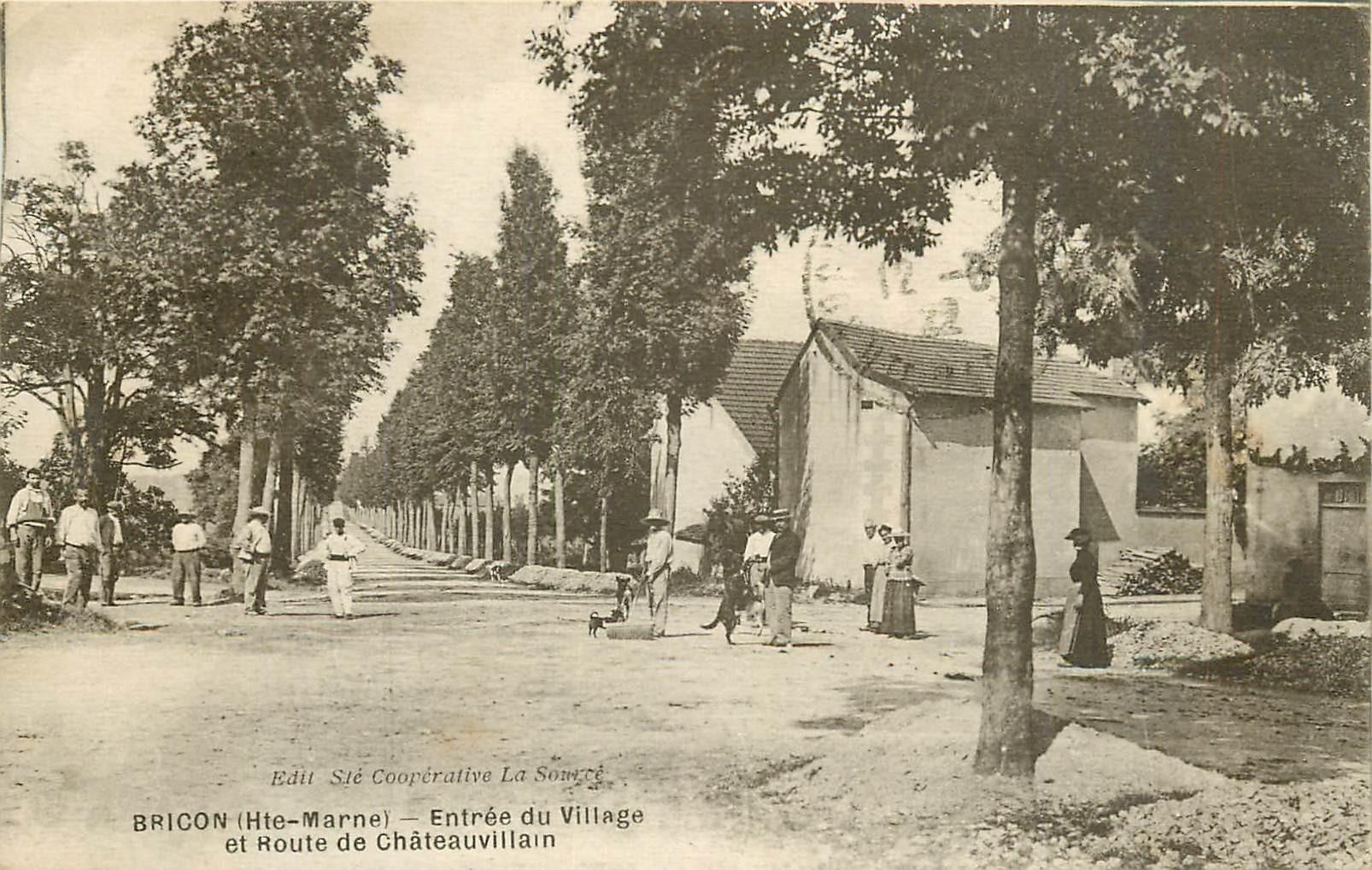 WW 52 BRICON. Le Village Route de Châteauvillain 1922