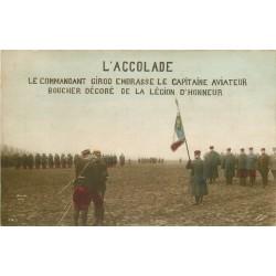 MILITARIA. L'Accolade. Girod décore de la Légion d'Honneur le Capitaine Boucher aviateur